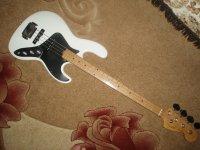 Продается бас-гитара за совсем недорого (фото)